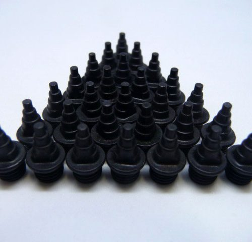 7mm Black – Lite Pyramid Spikes